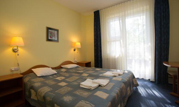 Zsanett Hotel - Balatonkeresztúr - erkélyes szoba