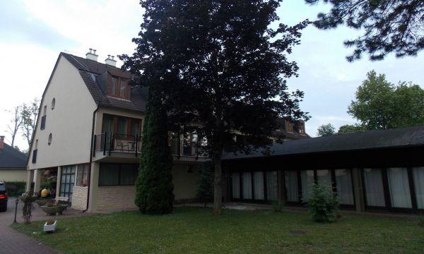 Hotel Family - Balatonföldvár - 11