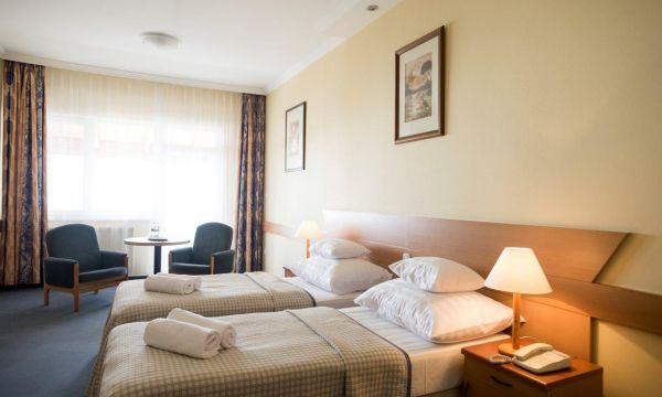 Hotel Marina-Port - Balatonkenese - Erkélyes, kétágyas szoba