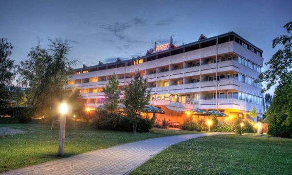Hotel Marina-Port - Balatonkenese - 1