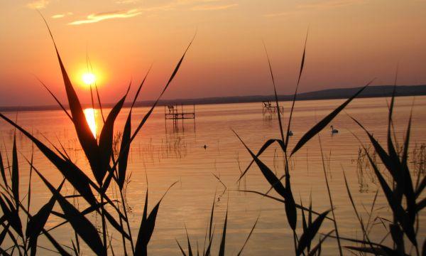 Zsanett Hotel - Balatonkeresztúr - Naplemente a szabad strandról