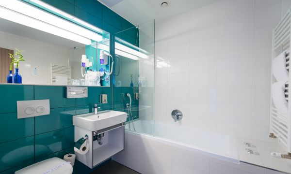 Hotel Yacht Wellness & Business - Siófok - Superior fürdőszoba