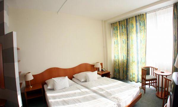 Hotel Nagyerdő - Debrecen - 23