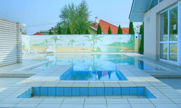 Két Korona Konferencia és Wellness Hotel - Balatonszárszó - Két Korona Hotel-Kültéri medence