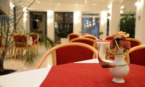 Két Korona Konferencia és Wellness Hotel - Balatonszárszó - Két Korona Hotel-Lobby