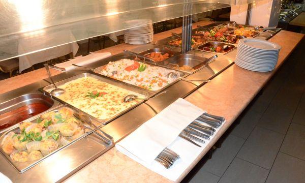 Két Korona Konferencia és Wellness Hotel - Balatonszárszó - Két Korona Hotel-Svédasztalos vacsora