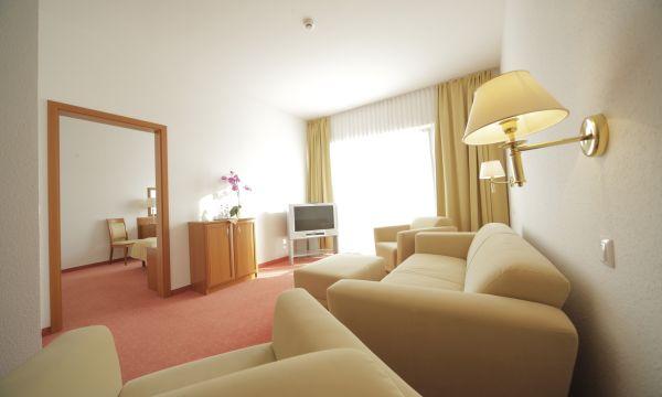 Két Korona Konferencia és Wellness Hotel - Balatonszárszó - Két Korona Hotel-Superior Lakosztály erkéllyel-Főépület
