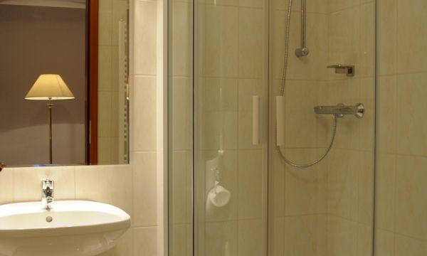 Két Korona Konferencia és Wellness Hotel - Balatonszárszó - Két Korona Hotel-Superior Kétágyas szoba erkéllyel-Főépület-Fürdőszoba