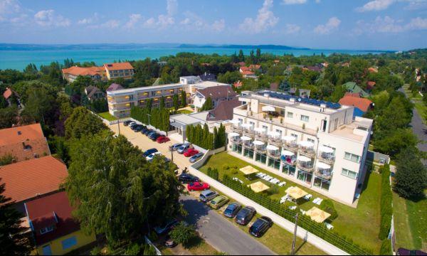 Két Korona Konferencia és Wellness Hotel - Balatonszárszó - Két Korona Hotel madártávlatból