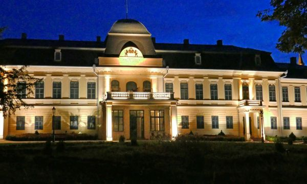Aqua Hotel - Gyula - Almásy kastély