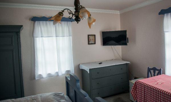 Silver Major - Hajdúszoboszló - Kétágyas szoba hagyományos bútorokkal