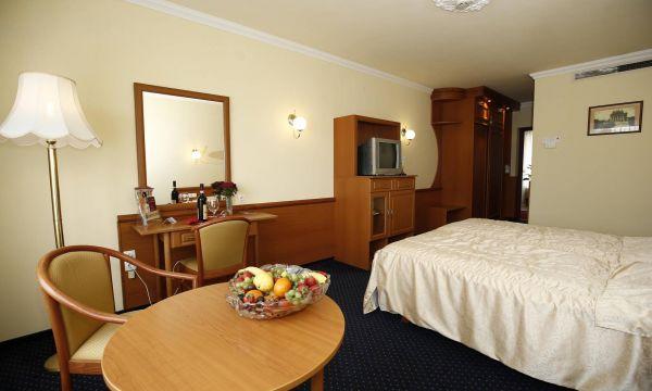 Hotel Korona Eger Rendezvény és Borszálloda - Eger - 17