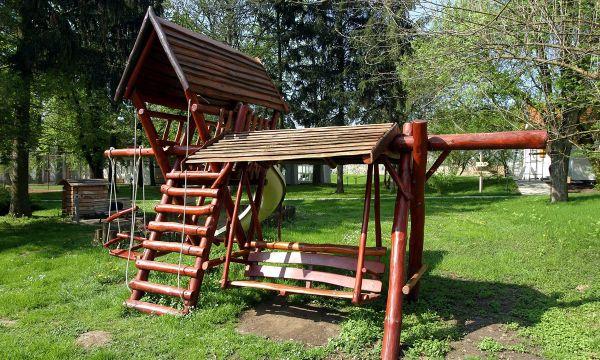 Puchner Kastélyszálló és Reneszánsz Élménybirtok - Bikal - Játszótér
