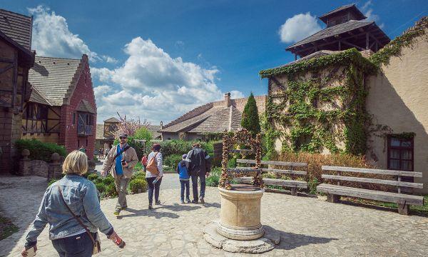 Puchner Kastélyszálló és Reneszánsz Élménybirtok - Bikal - Élménybirtok - Óváros