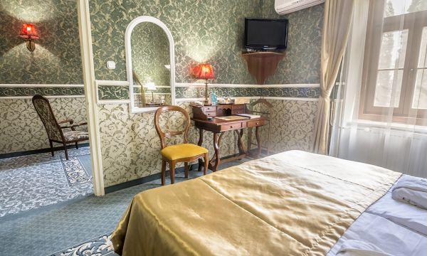Puchner Kastélyszálló és Reneszánsz Élménybirtok - Bikal - Kastély standard szoba zöld szint