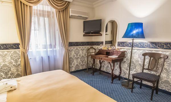 Puchner Kastélyszálló és Reneszánsz Élménybirtok - Bikal - Kastély standard szoba kék szint