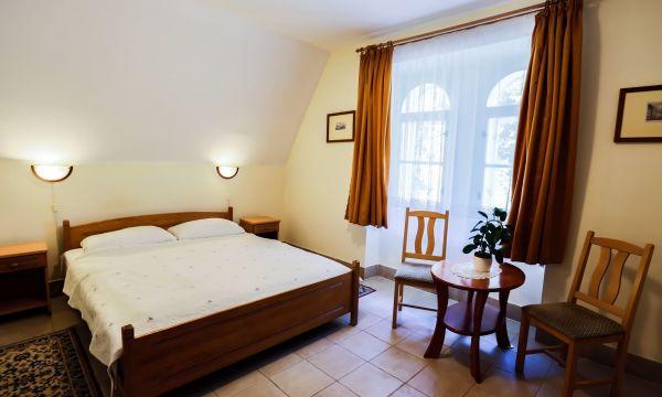 Festetich Kastélyszálló és Zsuzsanna Hotel - Szeleste - Kastélyszálló standard szoba