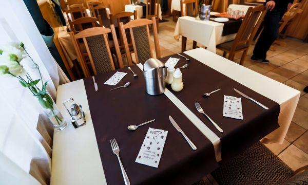 Festetich Kastélyszálló és Zsuzsanna Hotel - Szeleste - Étterem