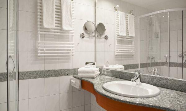 NaturMed Hotel Carbona - Hévíz - Fürdőszoba
