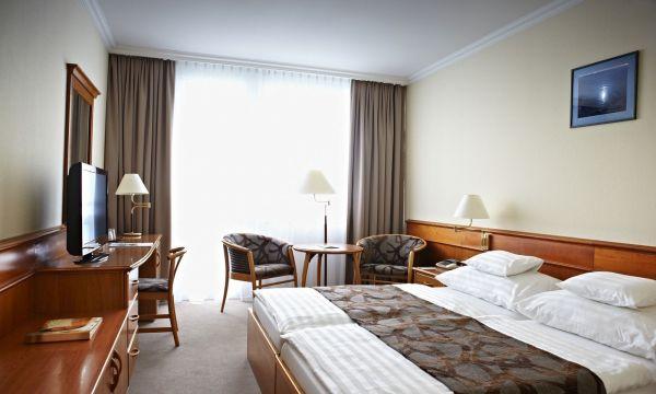 NaturMed Hotel Carbona - Hévíz - Emeleti standard plus kétágyas szoba