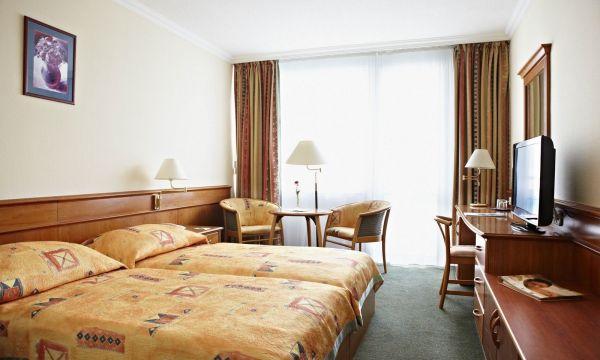 NaturMed Hotel Carbona - Hévíz - Emeleti standard kétágyas szoba
