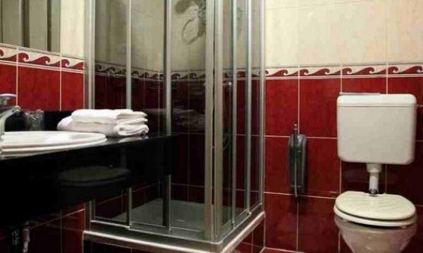 Hotel Silver - Hajdúszoboszló - Standard kétágyas szoba fürdőszoba