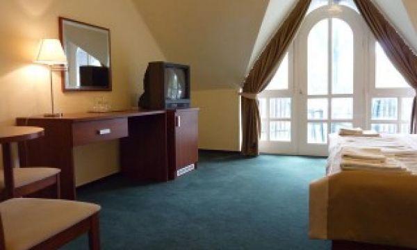 Zsanett Hotel - Balatonkeresztúr - Szoba erkéllyel