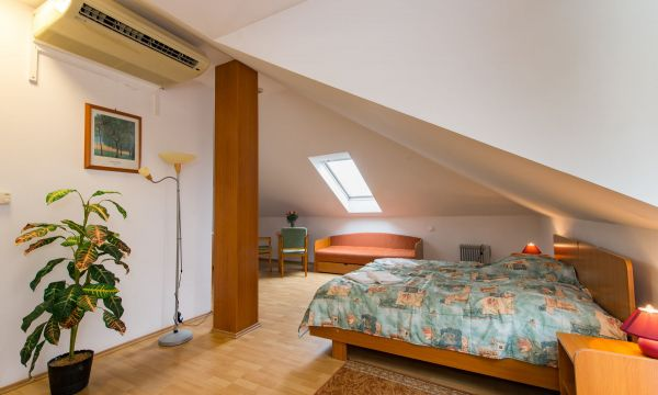 Hotel Forrás - Zalakaros - Emeleti erkélyes 2 fős apartman 1 hálótérrel (pótágyazható)
