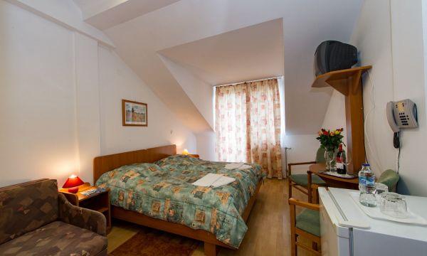 Hotel Forrás - Zalakaros - Emeleti erkélyes kétágyas szoba