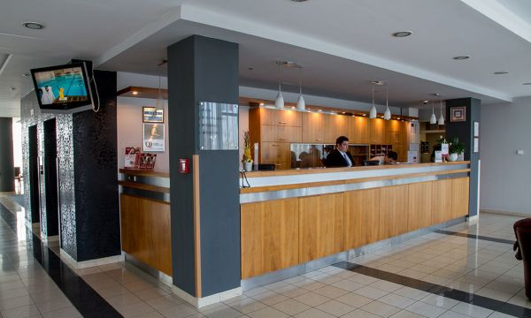 Hunguest Hotel Bál Resort - Balatonalmádi - Recepció