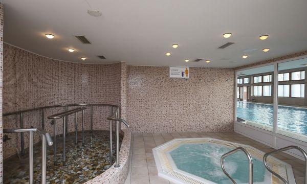 Hunguest Hotel Bál Resort - Balatonalmádi - Jakuzzi, taposómedence