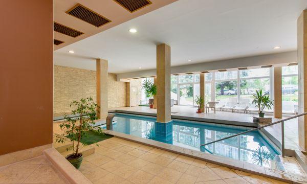 Hotel FIT - Hévíz - Gyógyvizes medence