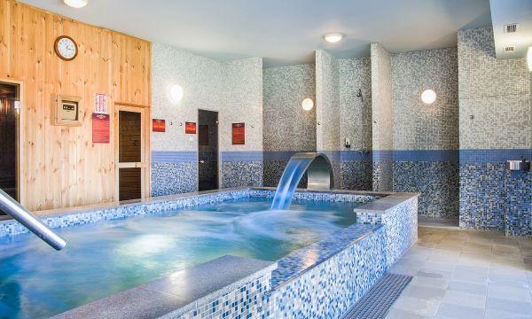 Fried Kastélyszálló Resort - Simontornya - Beltéri pezsgőmedence
