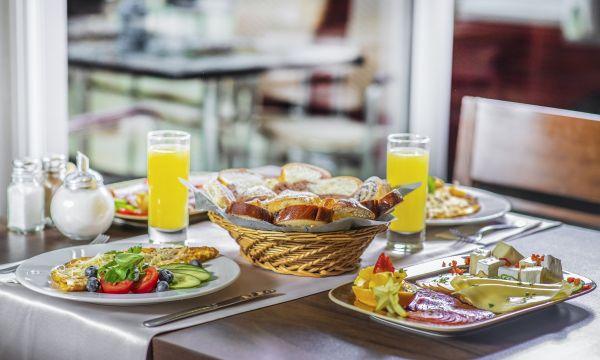 Balneo Hotel Zsori Thermal & Wellness - Mezőkövesd - Reggeli