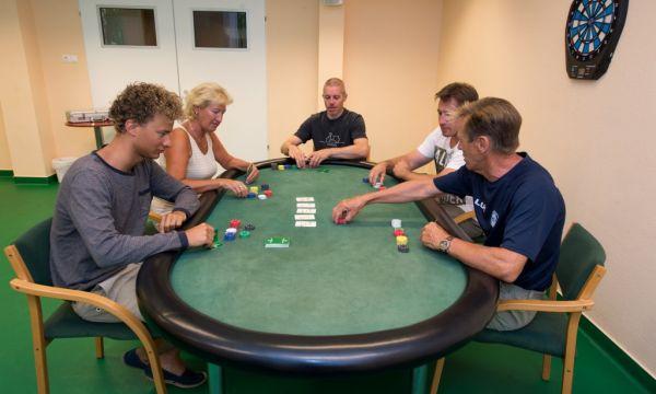 Alföld Gyöngye Hotel - Gyopárosfürdő - Kártyaasztal