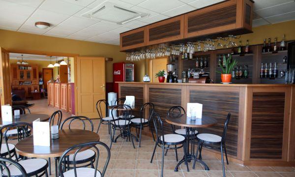 Laroba Wellness Hotel - Alsóörs - Kávézó, bár