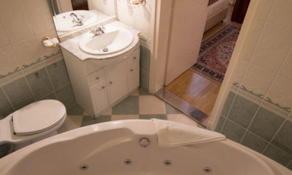 Tisza Hotel - Szeged - Apartman fürdőszoba