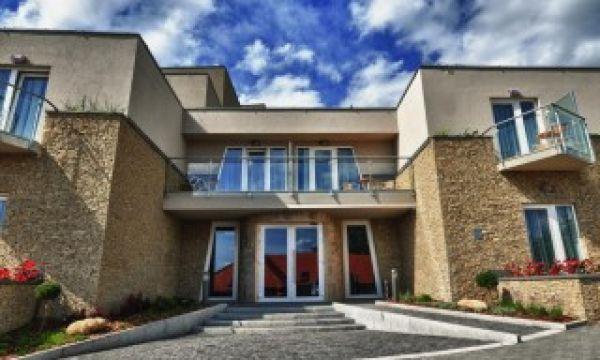 Zenit Hotel Balaton - Vonyarcvashegy - Hotel bejárat