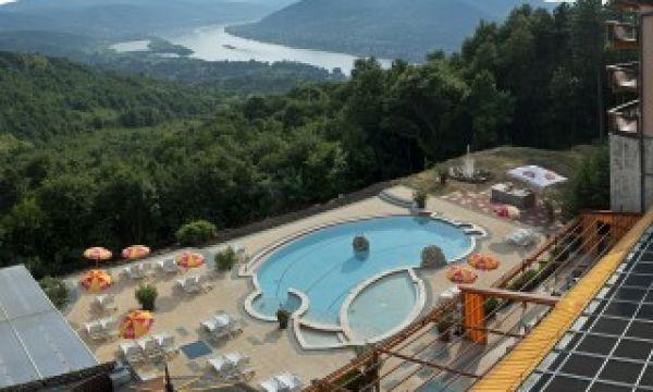 Hotel Silvanus - Visegrád - Kültéri medence kilátással