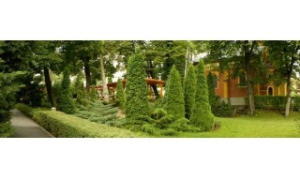 Hotel Villa Völgy - Eger - A szálloda kertje