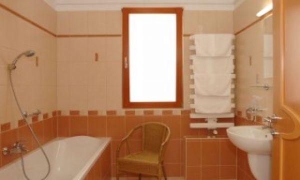 Szalajka Liget Hotel - Szilvásvárad - Apartmanházak egyik fürdőszoba típusa