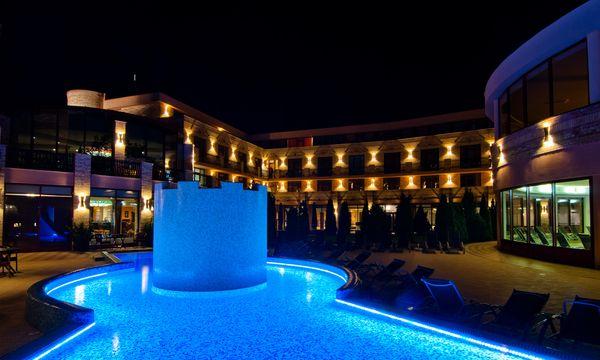 Hotel Kapitány - Sümeg - Medence este