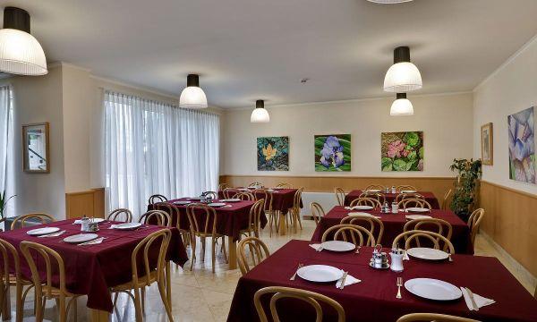 Jagelló Hotel - Budapest - breakfast