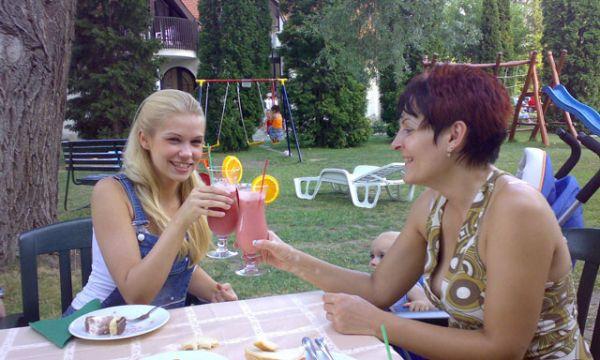 Zsanett Hotel - Balatonkeresztúr - Koktélozás