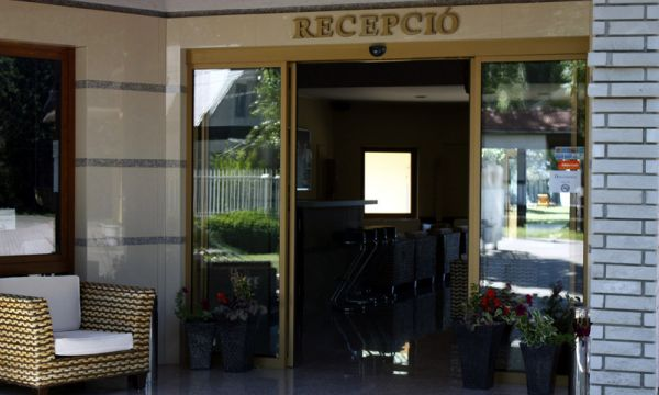 Hotel Dam - Fonyód - Bejárat - recepció