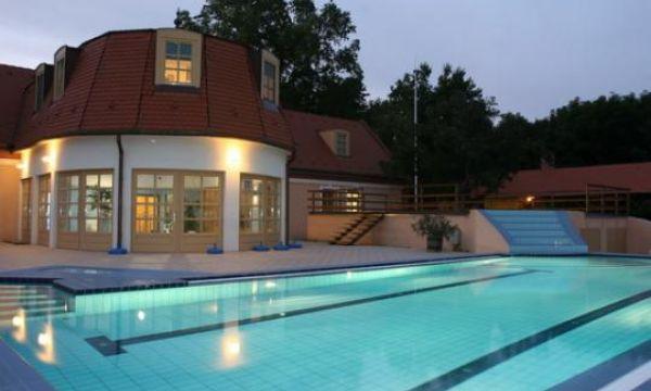 Zichy Park Hotel - Bikács - Kültéri medence
