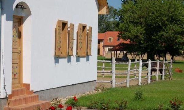 Zichy Park Hotel - Bikács - Lovarda