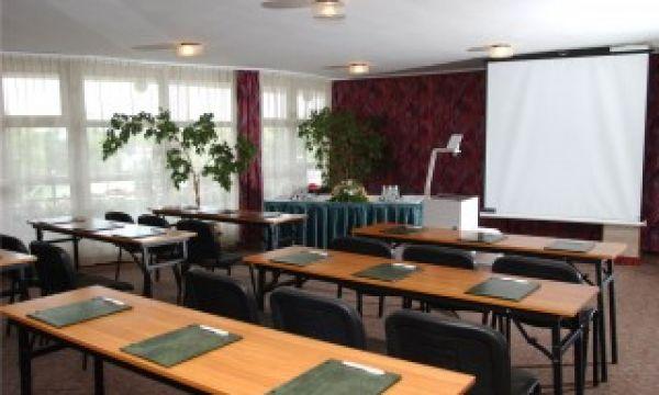 Hotel Nagyerdő - Debrecen - Konferencia terem