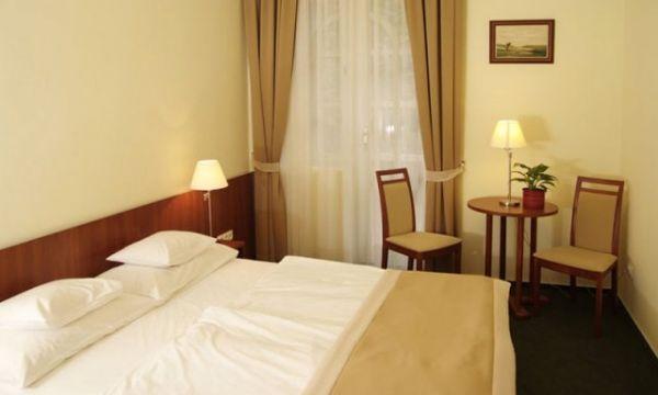 Zsanett Hotel - Balatonkeresztúr - Földszinti szoba
