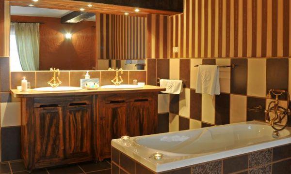 Puchner Kastélyszálló és Reneszánsz Élménybirtok - Bikal - Palota szoba fürdője